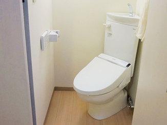 トイレリフォーム クローゼットの収納スペースを活かしたトイレ